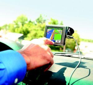 Řešíte napájení navigace v autě?